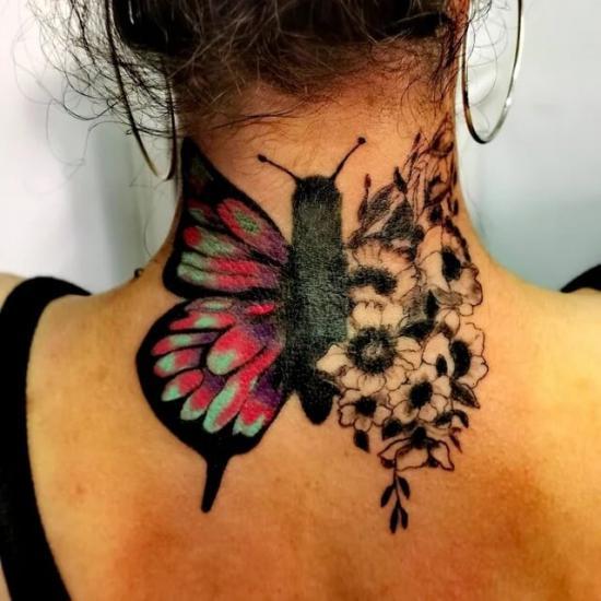 Motyl na szyi damski tatuaż