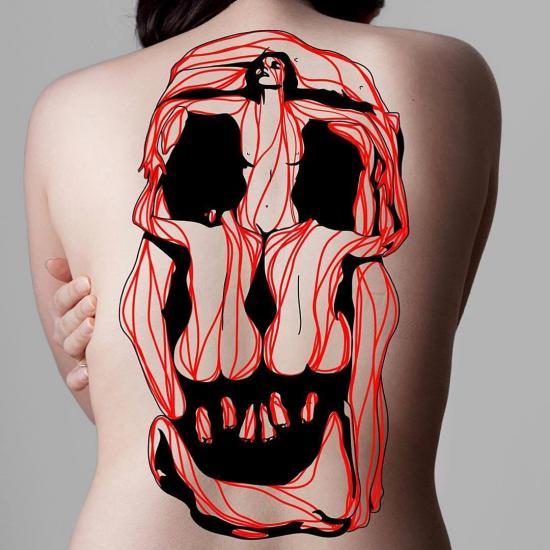 Tatuaż czaszka z kobiet