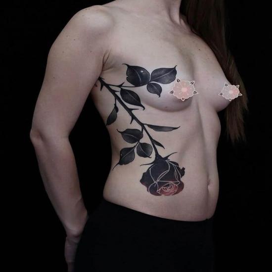 Tatuaż duża róża