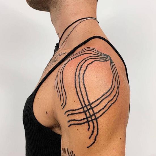 Tatuaże męskie wzory na ramię