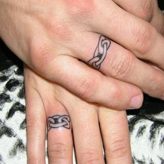 Tatuaże palce dla dwojga