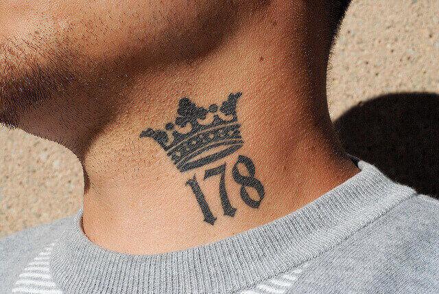 Tatuaże na szyi meskie wzory